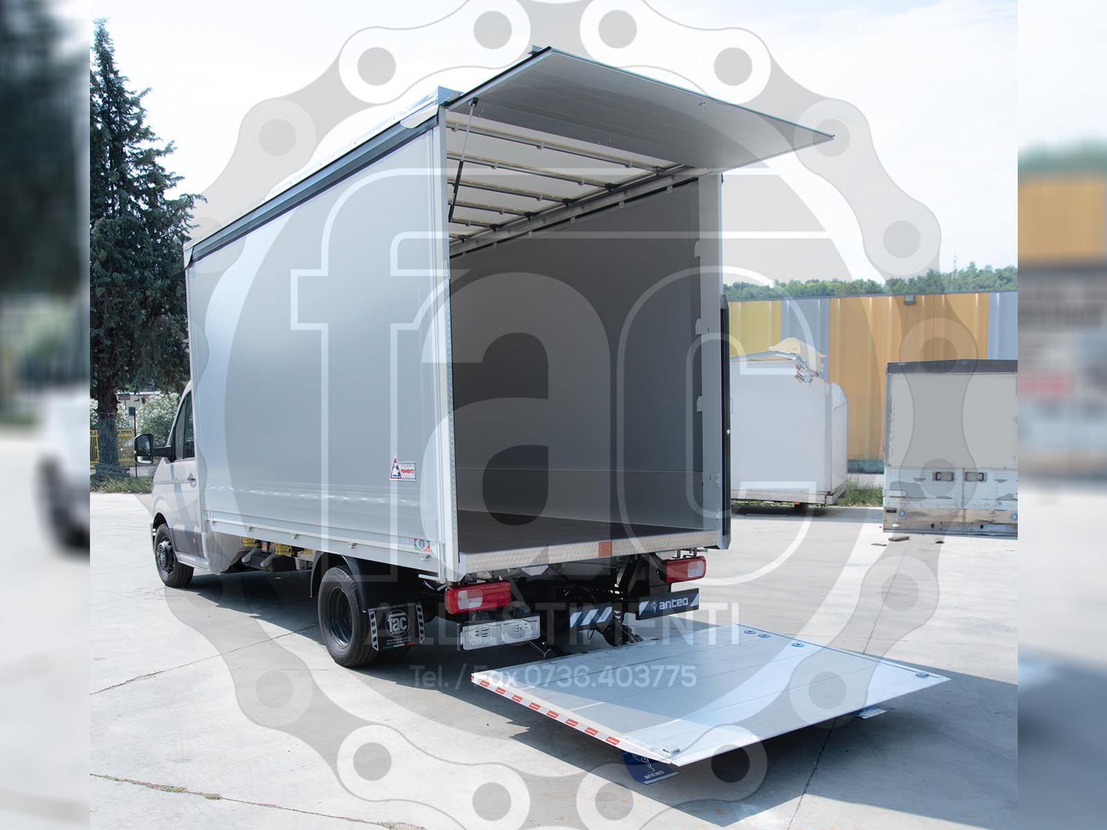 Realizzazione di furgone in alluminio 6