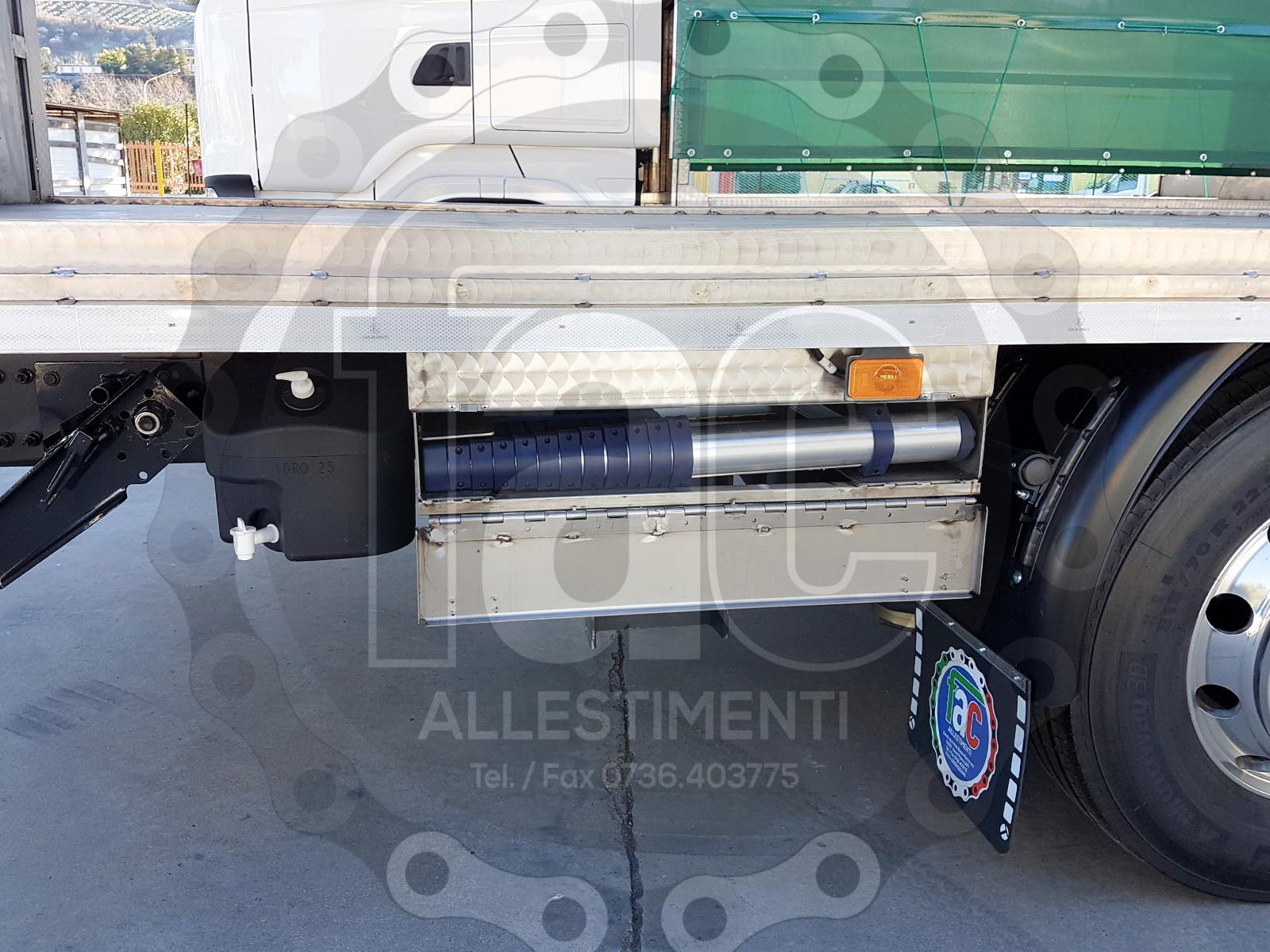 Realizzazione di camion per trasporto animali vivi di FAC Allestimenti