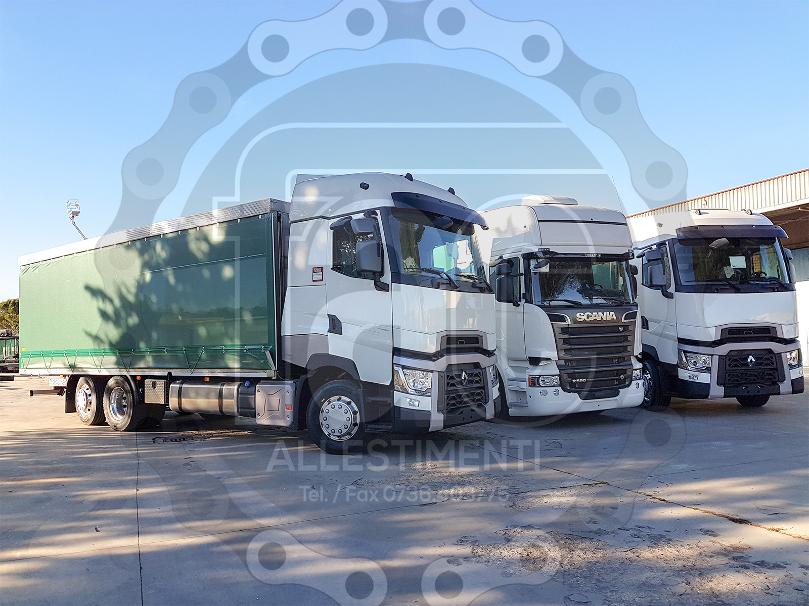 Realizzazione di camion per trasporto animali vivi 9