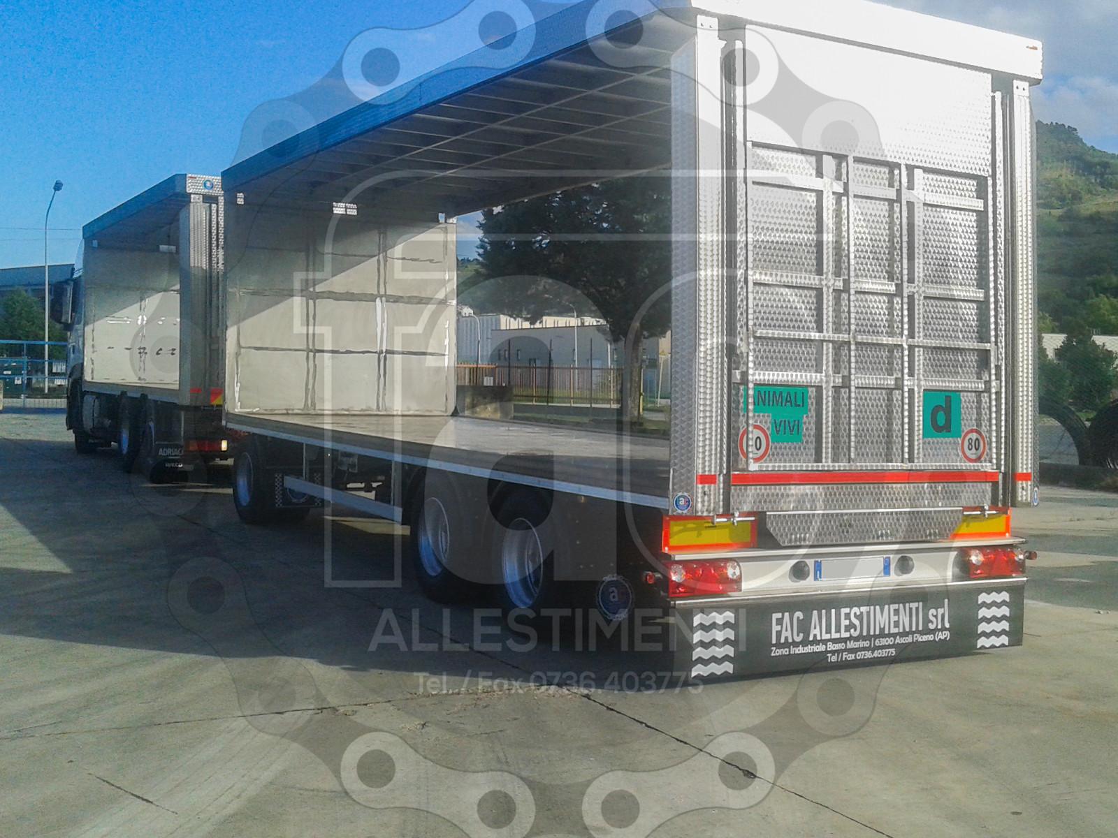 Realizzazione di camion per trasporto animali vivi 12