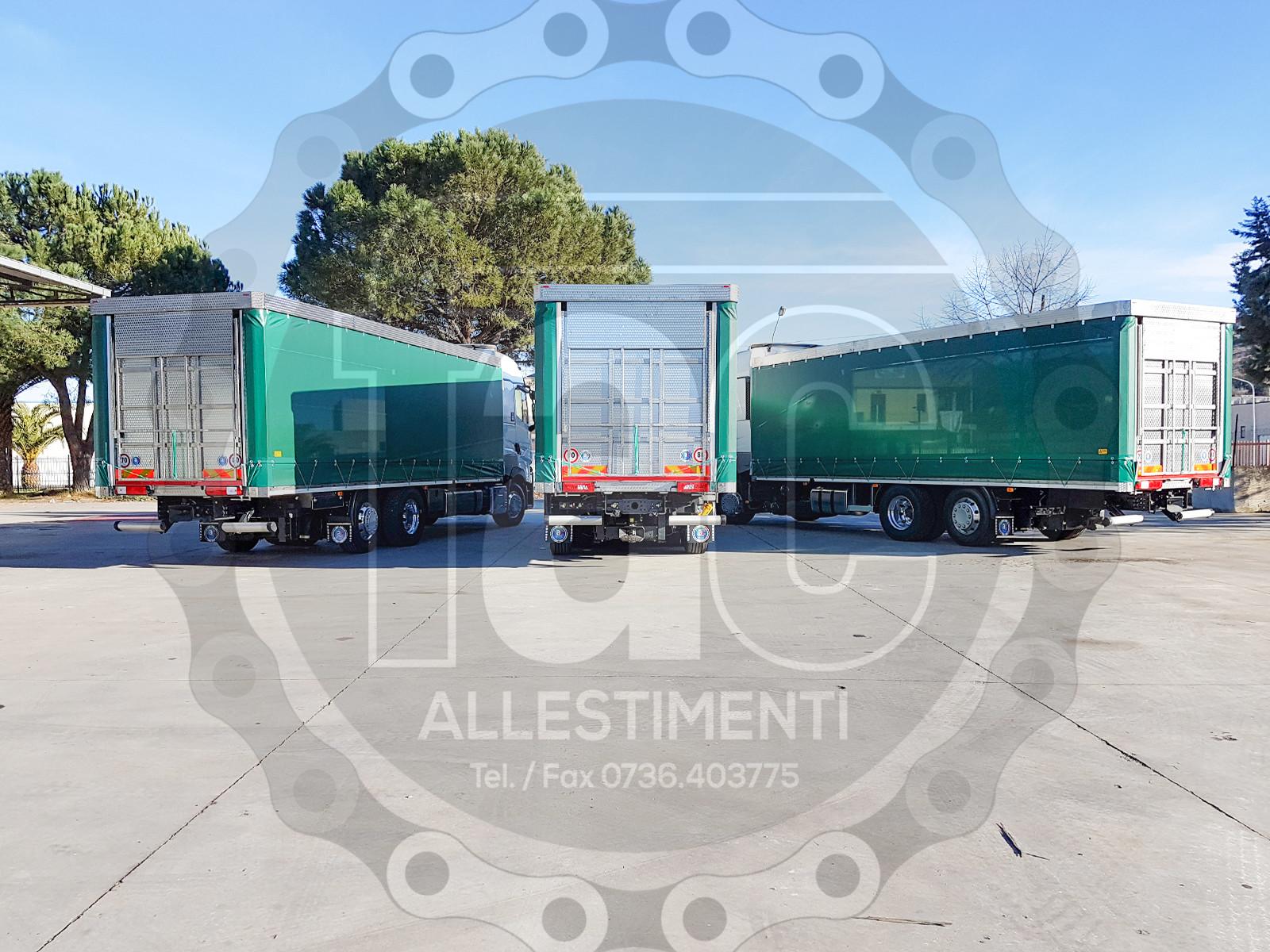 Realizzazione di camion per trasporto animali vivi 7