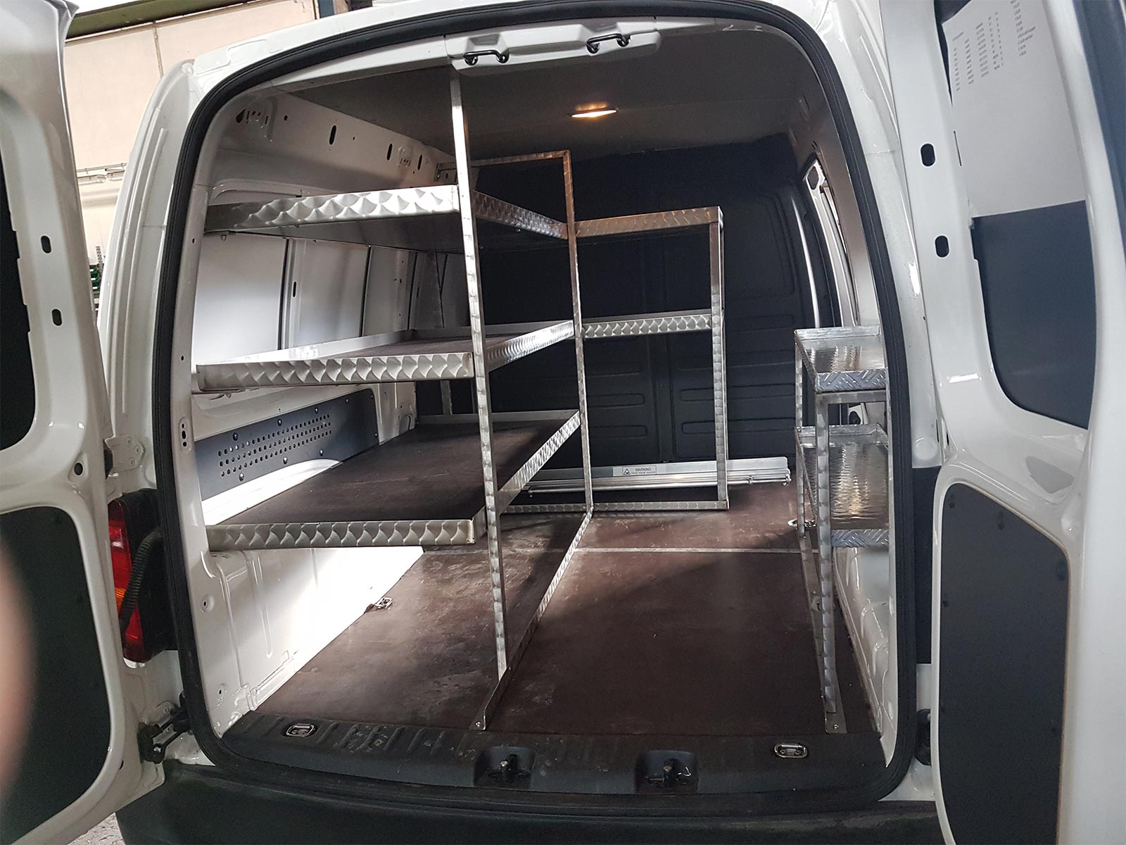 Realizzazione di interno furgone di FAC Allestimenti